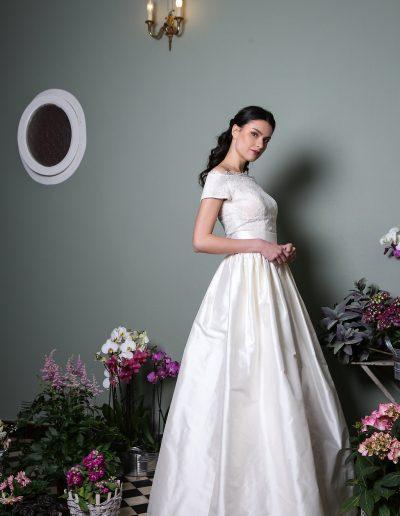 robe-de-mariee-elsa-gary-2019-cendrillon-profil-princesse